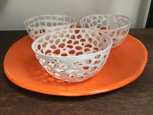 Coupelles en dentelle de porcelaine. Brigitte Morel