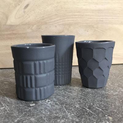 Tasses espresso. Porcelaine grise. Brigitte Morel