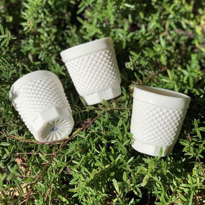 Tasses à café. Porcelaine. Atelier Brigitte Morel