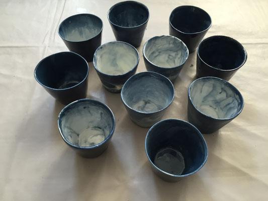 Petites tasses. Porcelaine marbrée. Brigitte morel