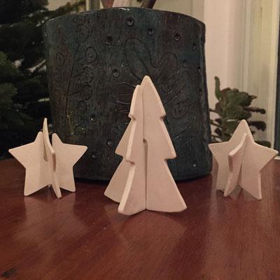 Etoiles et sapins de Noël. Porcelaine. Brigitte Morel