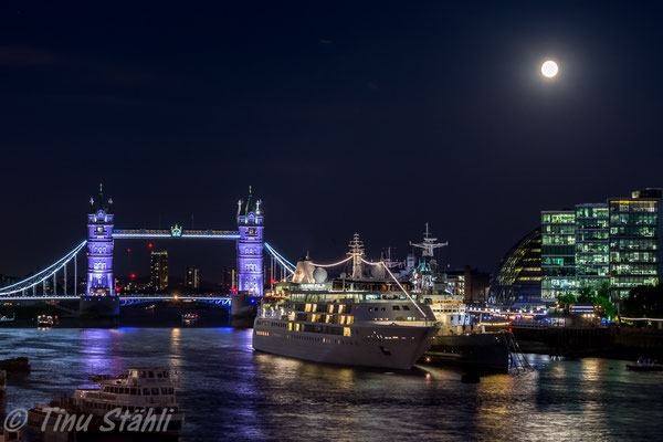 Tower Bridge, London 2016