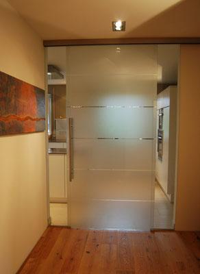 Zimmertür aus Milchglas