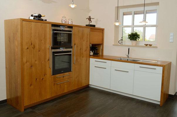 Kleine Küche in L-Form