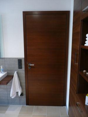 dunkelbraune Holztür von Wiedmann