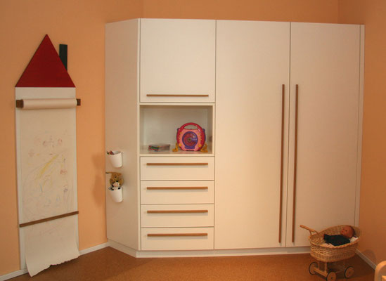 individueller Kinderzimmer Eckschrank von Wiedmann