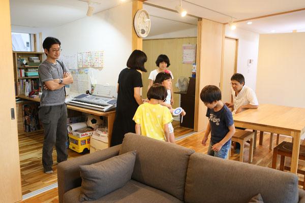 リビングと個室のつながり01