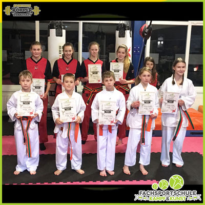 Kampfsport Gürtelprüfung in der Kampfsportschule - Fachsportschule Kampf und Kunst Friesoythe V002