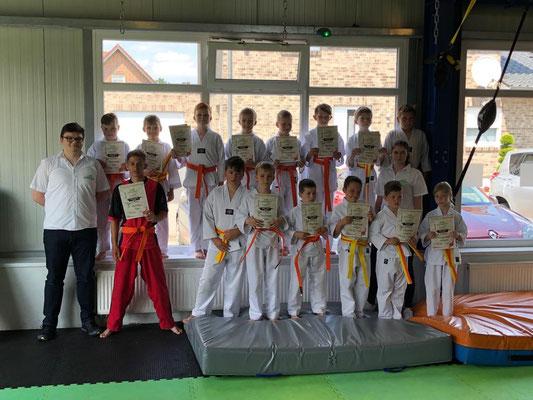 Sommer Gürtelprüfung - Kinder Karate in Friesoythe - Bild 003