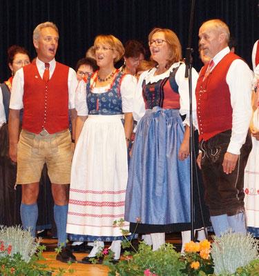 Tenor Bruno, Sopran Ulli, Alt Sieglinde, Bass Gerhard  - Volksliedchor Bad Kleinkirchheim