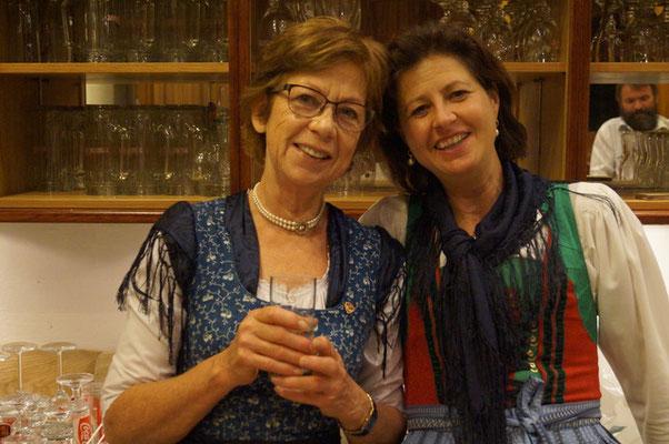 Obfraustellvertreterin Heidi Pontasch mit Obfrau Eva Ronacher - Volksliedchor Bad Kleinkirchheim