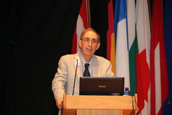 Dott. Clarbruno Vedruccio - Fisico e ricercatore - Bologna
