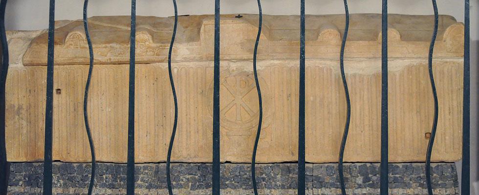 Chapelle Sainte-Restitude - Sarcophage (crypte)