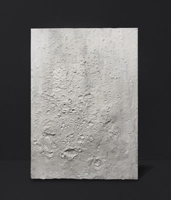KNITTING ON THE MOON | gesso on selfmade canvas  |  71 x 100 cm | 200 CHF