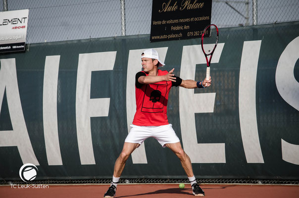 Tennis Wallis