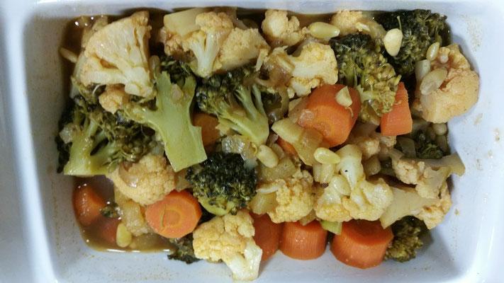 Ratatouille d'hiver : carottes, brocolis et poire