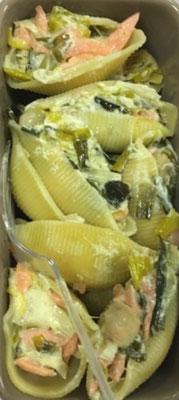 gros coquillages au poireau, sauce au saumon