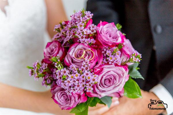 Berg-Fotomomente, Hochzeit, Wedding, Brautpaarshooting, Ringe
