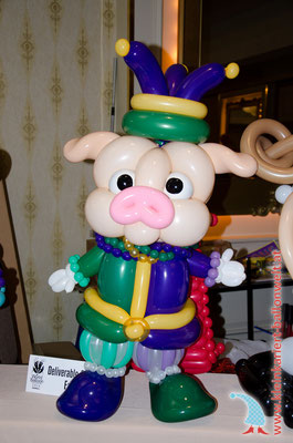 Platz 2: Mardi Gras Schwein - Takehiro Kai, Japan