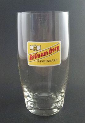 OE021, Bräu am Berg, Frankenmarkt, Bezirk Vöcklabruck, OÖ  (Glas von ca. 1960)