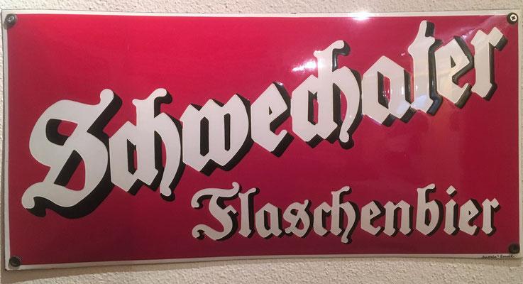 024 Brauerei Schwechat, Email, Abm. 24 cm x 50 cm, Impressum: Austria Email, ca. 1950