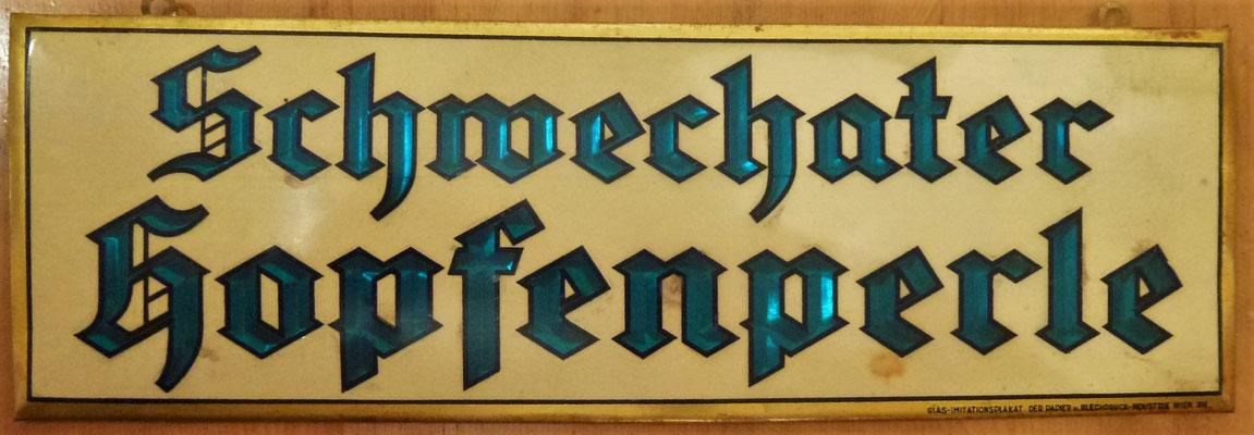 107 Brauerei Schwechat, Glasimitationsplakat, Abm. 11,5 cm x 16 cm, Impressum: Glas-Imitationsplakat der Papier u. Blechdruck-Industrie Wien XIX, ca. 1920