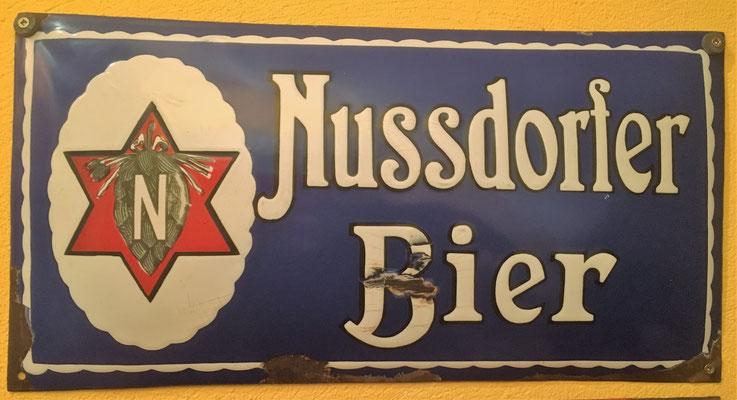 068 Nussdorfer Bier, Email, Abm. 24 cm x 47 cm, Impressum abgerieben, ca. 1930
