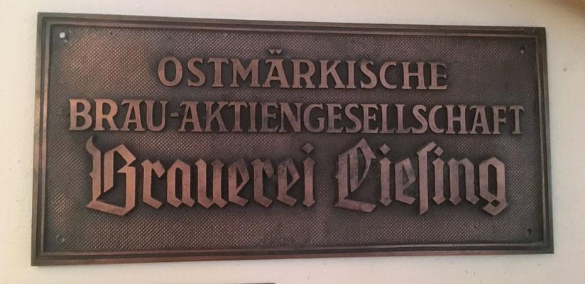 003 Brauerei Liesing, Gusseisen, Abm. 15 cm x 32 cm, kein Impressum, ca. 1938