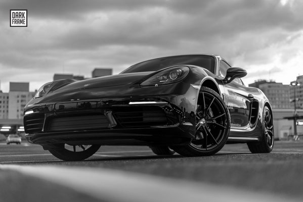 Porsche Cayman Łódź Dark Frame
