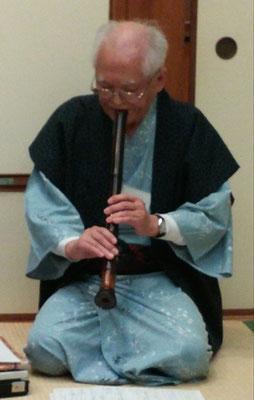 酒井恵照さん(大師範)が「木枯らし」という曲を宴会で披露して戴き、また感動!