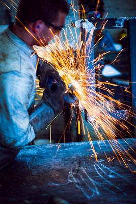 Schlosserei schweißen winkelschleifen schweißer schweisser Metallbau Stahlbau Metall Bauteil Bauteile