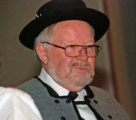 Musikalische Leitung: Ehrendirigent Willy Walter