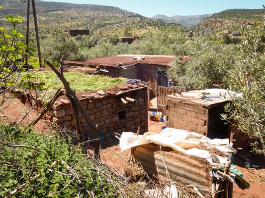Dorf beim Stausee Bin El Oudiane