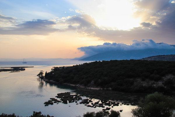 dunkle Wolken über Korfu