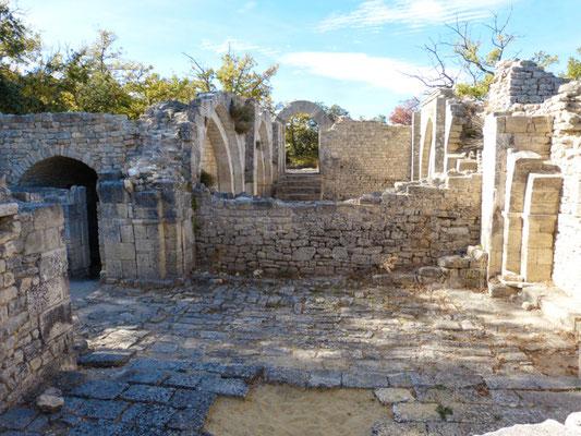 Fort von Buoux, Kirche