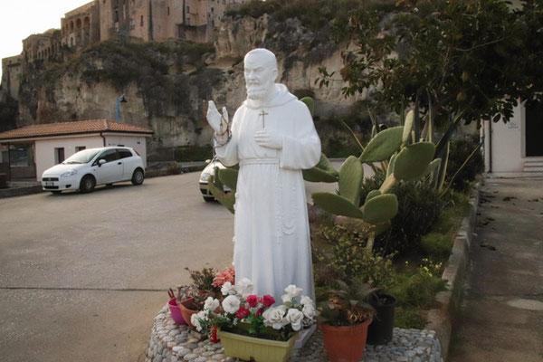 Tropea, der allgegenwärtige Padre Pio