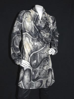 Pulloverkleid mit Schlagenprint