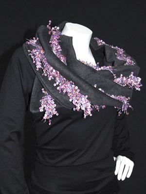 Wollschal mit Pailletten, violett