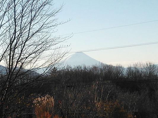 八ヶ岳から見る富士山