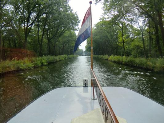 van Kessel interieur- en jachtwerken, jachtwerken, jachtbetimmering, Colibri, Midden-Limburg, Maasplassen, jachtonderhoud, pleziervaart