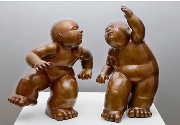 El ball               -              bronze         -           71x40x32 cm.