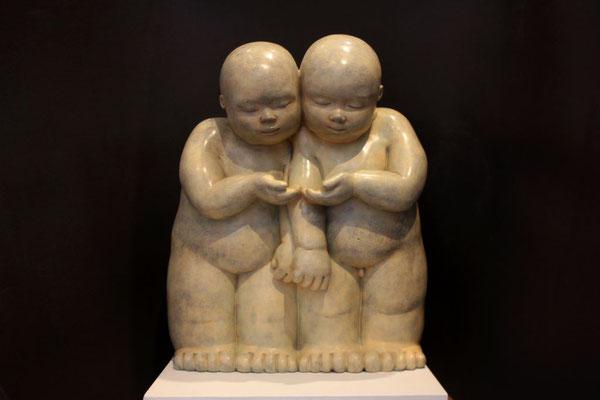 Nido         -           bronce          -            68x50x23 cm.