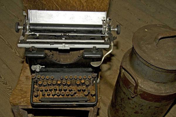 Fidel Castros Schreibmaschine in seinem Camp im Sierra Maestra - Gebirge. Von hier aus organisierte er zusammen mit Che Gueavara den Sturz der Regierung.