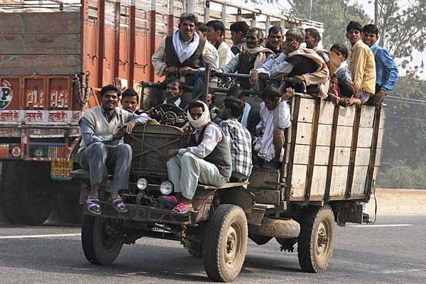 Hauptsache man fährt! Auf der Autobahn von Udaipur nach Chittogarh.