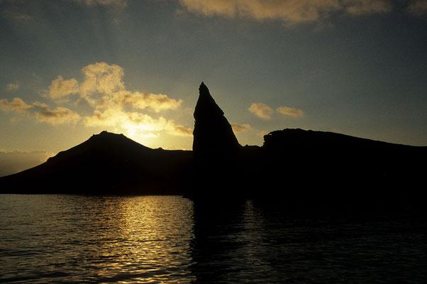 Isla San Bartholome, Galapagos, Felsnadel Pinnacle Rock.
