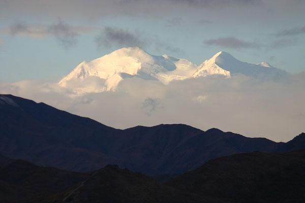 Der König Nordamerikas, der 6.194 Meter hohe Mt. Mc. Kinley.