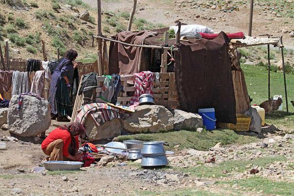 Nomadenlager in den Bergen etwa 85 km nordwestlich von Schiras.