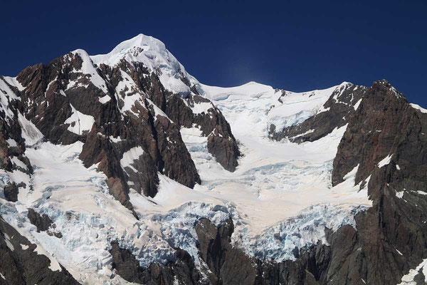 Hubschrauber - Rundflug über den Gletschern der neuseeländischen Alpen beim Mt. Cook. (Südinsel)