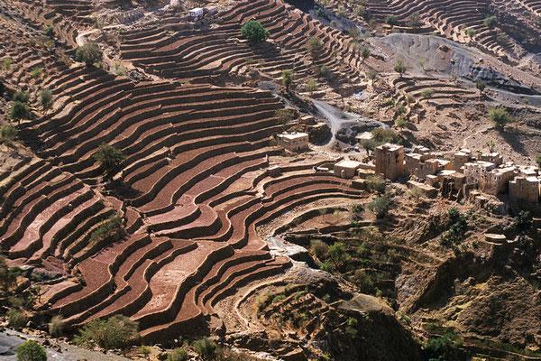 Terrassenfelder im Nordjemen zwischen Hajjah und Thulan.