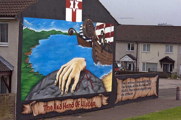 In Belfast hinterlassen die Konflikte zwischen Katholiken und Protestanten ihre Spuren.